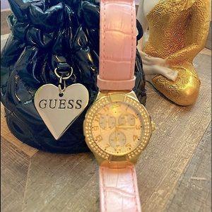 Guess Ladies Fashion Watch⌚️
